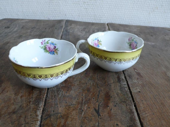 Antique cups , French, white and gold, coffee, tea, hot chocolate, french, Digoin, sarreguemines, white, French vintage