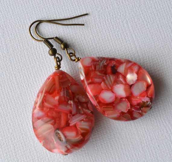 Mother of Pearl . Red Twists . Earrings