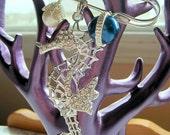 Sparkling Seahorse Pin