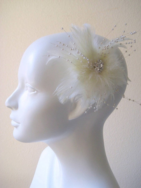 Bridal feather fascinator/hair comb in pale ivory with jewel crystal. FEATHER/PEARL SPRAY.
