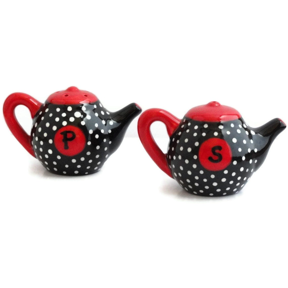 items similar to ceramic salt and pepper shakers teapot shaped in black and red with white polka. Black Bedroom Furniture Sets. Home Design Ideas