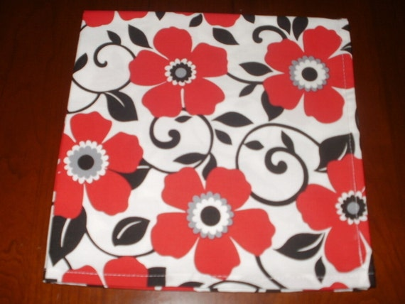 6 Bold Floral Napkins...17 inches...Stitched Hems not Serged...FREE SHIPPING