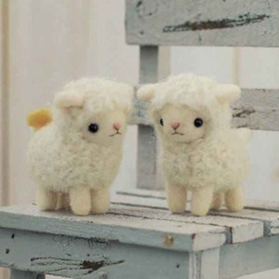 DIY Felted wool SHEEP Sisters  KIT Japanese craft kit by Hamanaka