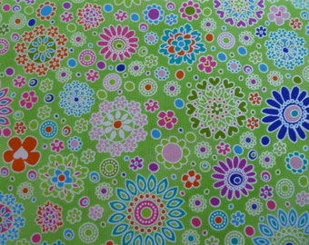 Hoffman Quilt Fabric Fanciful Flight - Lime Pearl