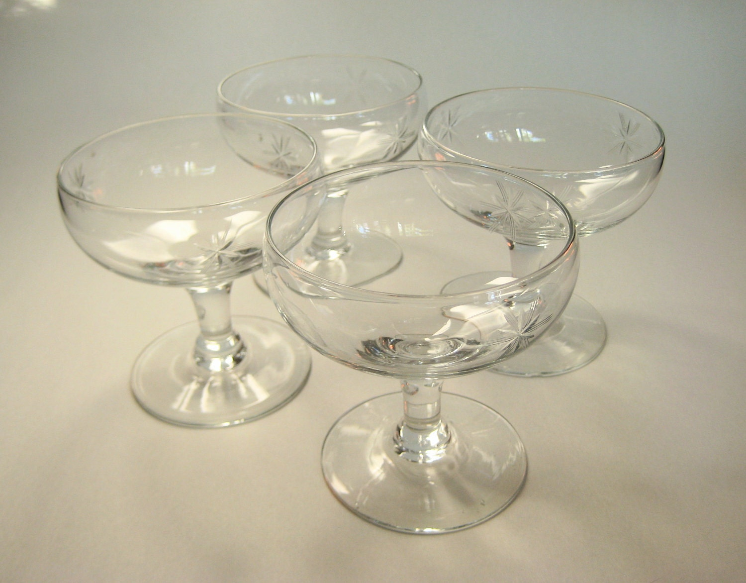 set of 4 vintage champagne coupes or cocktail glasses. Black Bedroom Furniture Sets. Home Design Ideas