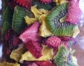 Dehydrated Strawberry / Pineapple / Kiwi slices - Shipping included