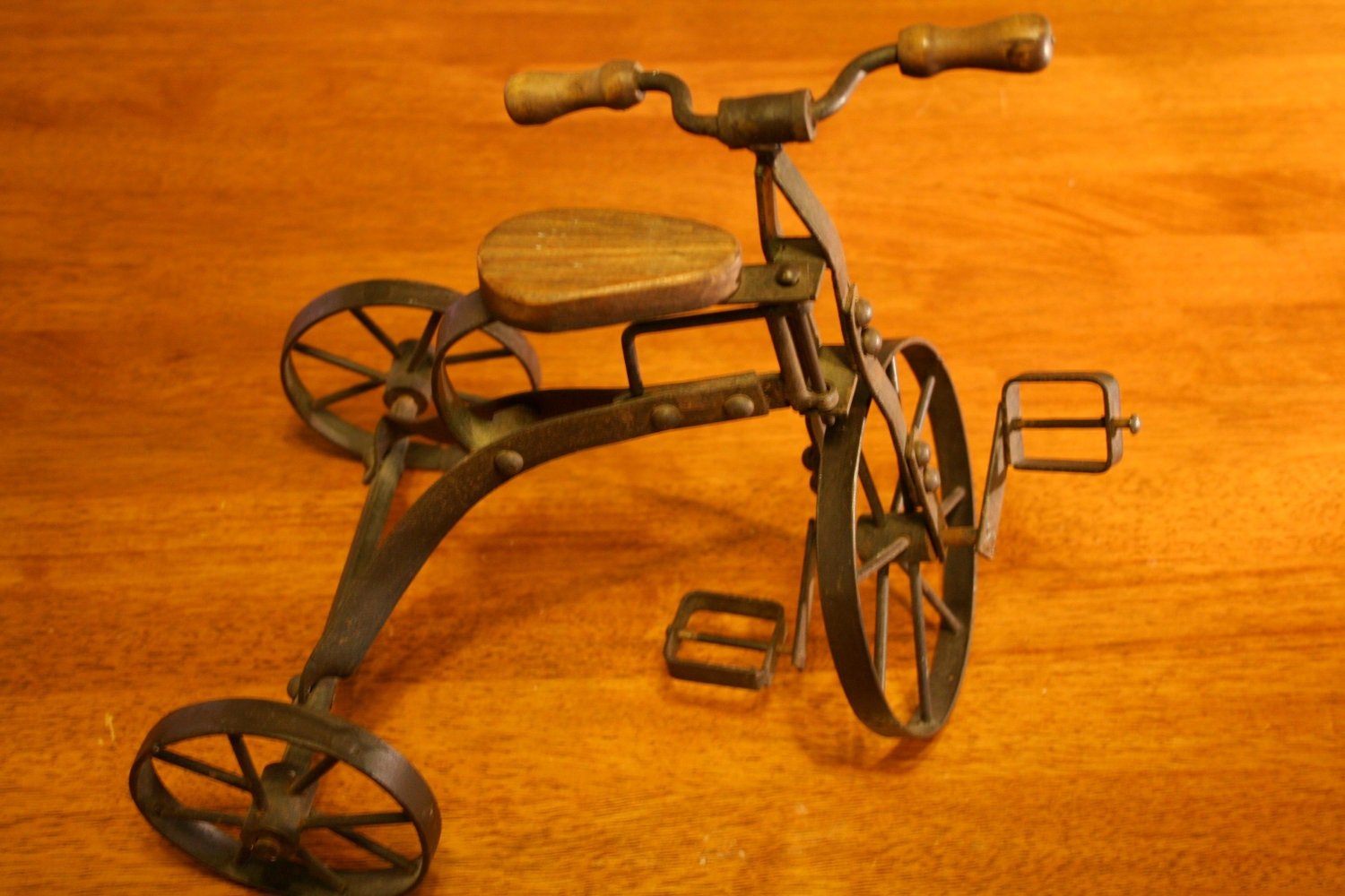 Makers Of Antique Tricycles : Antique english tricycle toy