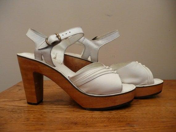Vintage 1970s Qualicraft Leather Sandals