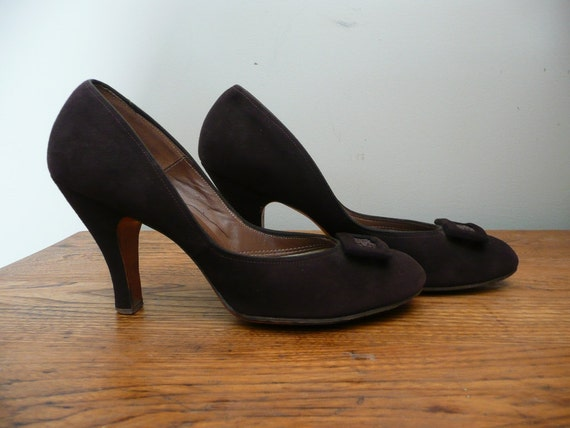 Vintage 1940s Shoes Brown Suede Pin Up