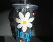Personalized acrylic tumbler with lid - large daisy