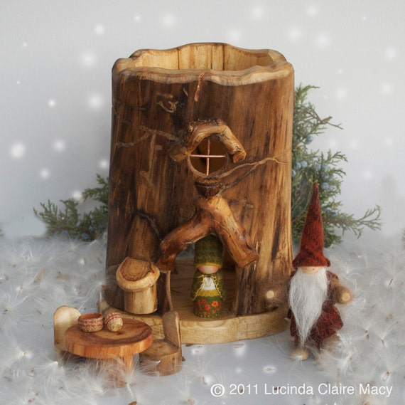 Large tree trunk gnome home with table and chairs - Tree trunk table and chairs ...
