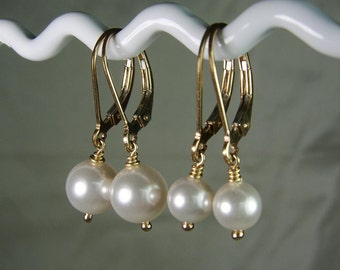 Bridesmaid Earrings Gold Pearl Earrings Set of 3 Pearl Bridesmaid Jewelry Bridesmaid Gift Bridal Party Jewelry