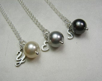Bridesmaid Jewelry Set of 3 Personalize Bridesmaid Gift Bridesmaid Necklace Initial Necklace Bridal Party Gifts Grey Pearl Wedding Jewelry