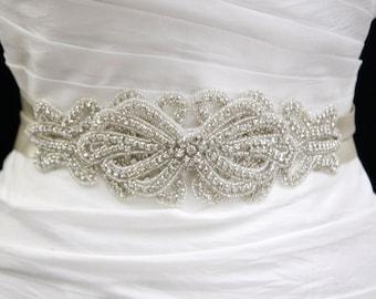 Dress belt,rhinestone belt,bridal belt,bridal sash,bow belt,wedding sash,bridal accessories,beaded belt,wedding belt,Vintage wedding