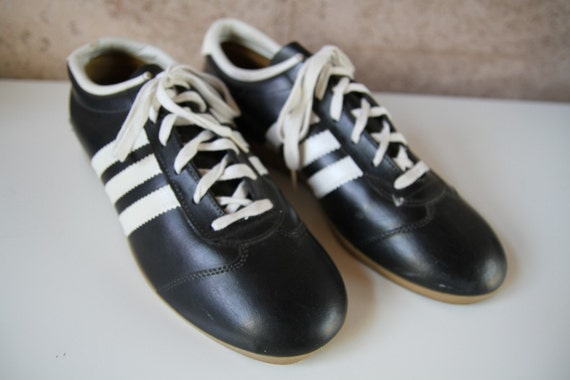 Men's vintage 60s 70s SOCCER style striped TENNIS shoes size 10
