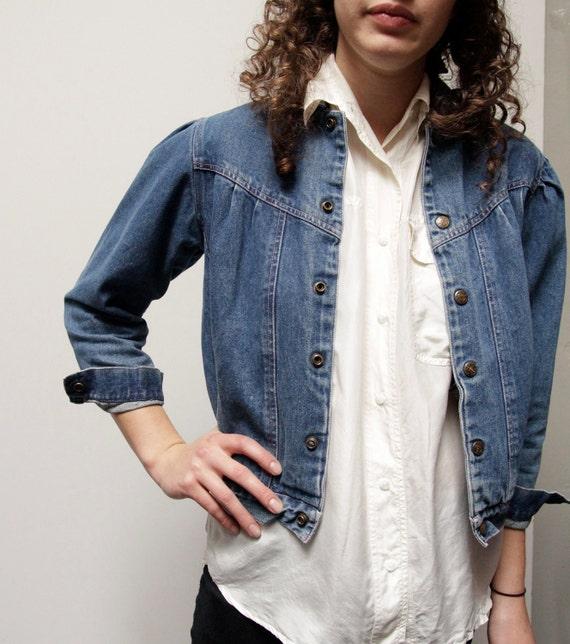 DENIM vintage 80s 90s CROPPED petite faded JEAN jacket