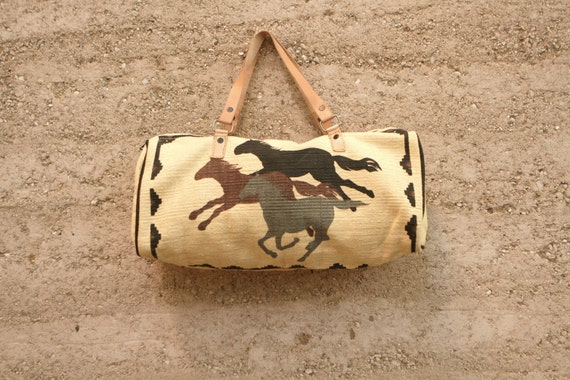 SOUTHWEST 90s leather strap wild HORSES tan handbag PURSE