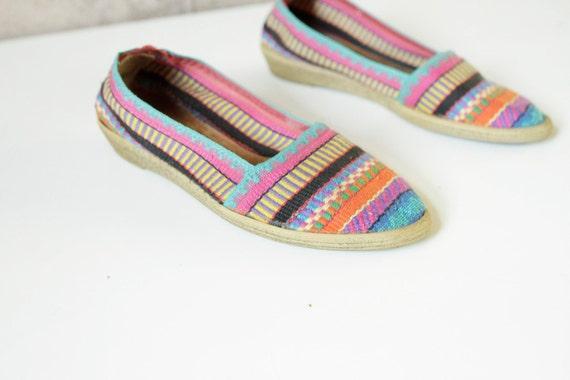 SOUTHWEST size 7 IKAT bright SUMMER slip on flat shoes sandals