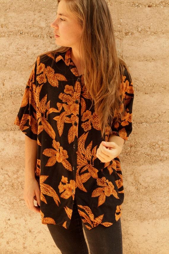 80s 90s HAWAIIAN print dark CONTRAST spring summer button up blouse