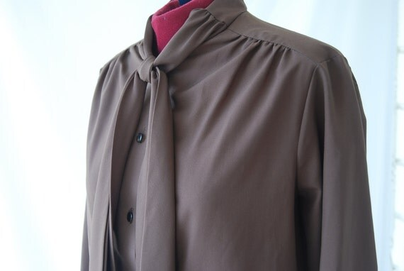 1970s Vintage Brown Blouse Womens Button Up Shirt Long Sleeved