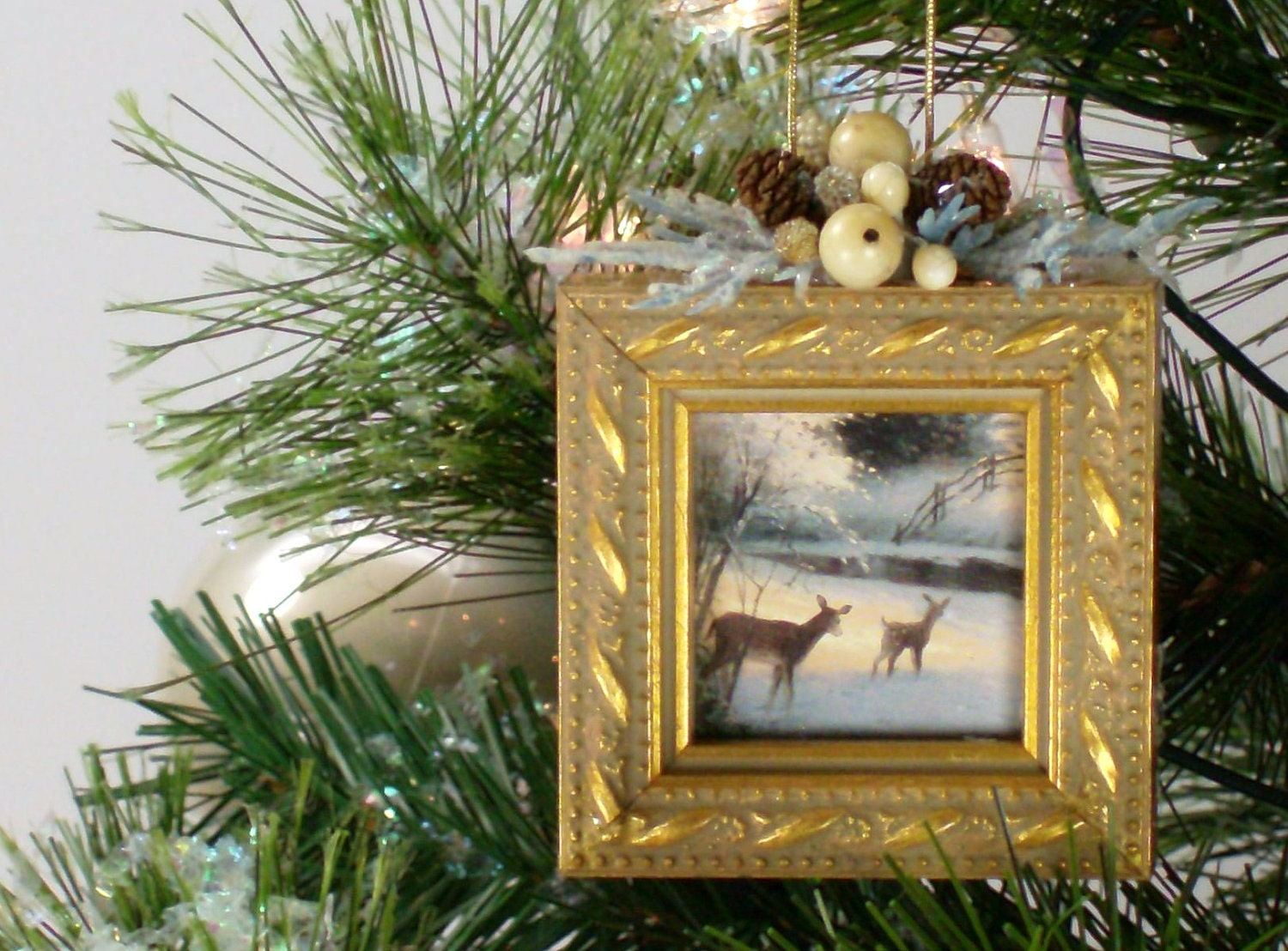 Christmas Tree Ornaments Picture Frames : Christmas tree ornament picture frame h by