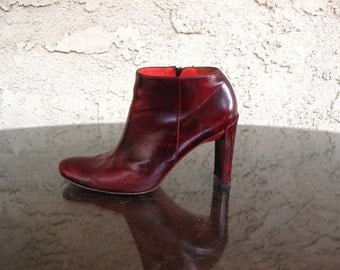 vintage DKNY burgundy leather PiXie ANKLE BOOTIES 37 / 6.5