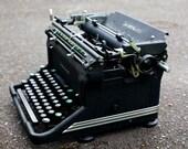 SALE Vintage Underwood Typewriter 1920s Gorgeous Deco Details