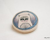 Wooden Brooch Round - Hand Painted Illustration - Kitty Mask 4.9 diameter