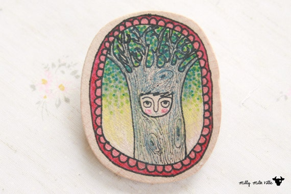 Wooden Brooch Oval - Hand Painted Illustration - Mrs.Babanya