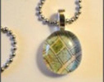Glass Drop Pendant Necklace (267)