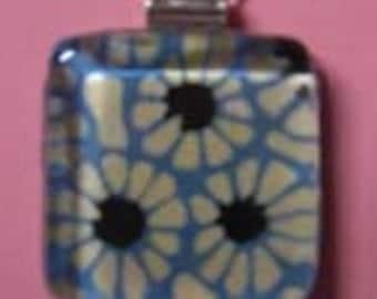 Modern Blue Flowers Necklace