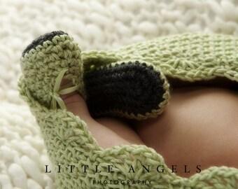 Herringbone Mary Janes Crochet Bootie Pattern (525)