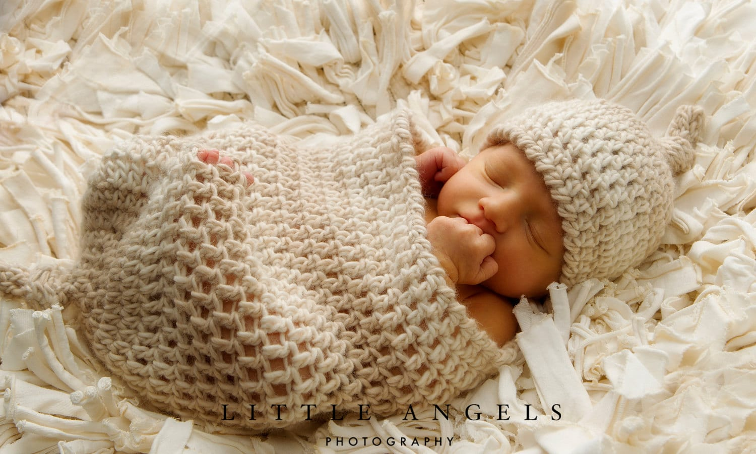 Crochet Patterns For Baby Cocoons Free : Love Knots Newborn Beanie and Cocoon Crochet Pattern