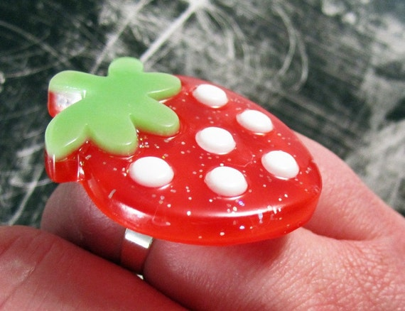 Rockabilly Red Strawberry Glitter Statement Ring