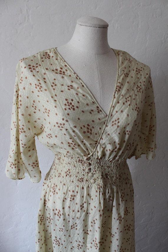 Pretty 1970s Summer Wrap Over Dress.