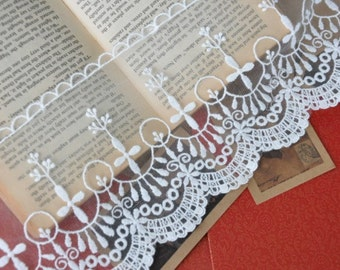 White Vintage Cross Lace Trims 5.1 Inches Wide 2 yards