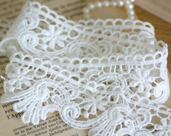 Venice Lace Floral Embroidery Lace Trim 1.65 Inches Wide 1.48 Yards