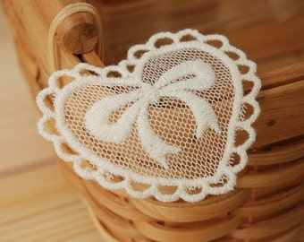 White Lace Appliques Bow Embroidery In Tulle Heart 4pcs