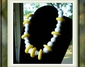 SALE .... Cool vintage Lucite Choker Necklace Yellow and White