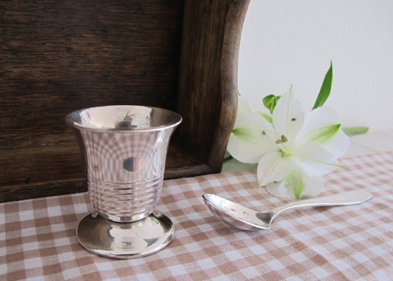 RESERVED 1950 kitchen:  set of 1 silverded egg cup and little spoon in their boxe