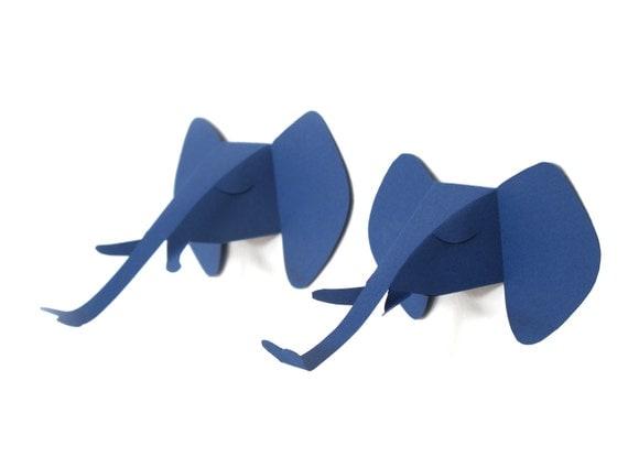 2 petites têtes d'éléphant, mini trophé de chasse, carte cadeau à découper, en bleu indigo