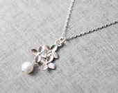 Graceful cherry blossom and pearl sliver chain Necklace - S2098