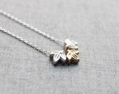 Simple three maple leaf pendant Necklace - S2101-1