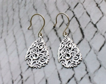 Filigree leaf with sterling silver ear wires - S1012