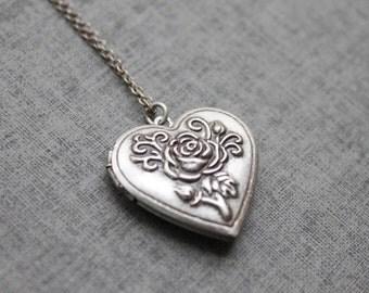 Vintage style Rose pattern Heart Locket - S2093