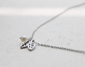 Tiny leaf with pearl simple Necklace - S2106-1