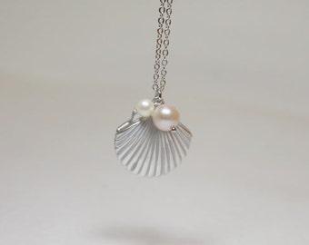 Seashell with pearl Locket - S2239-1