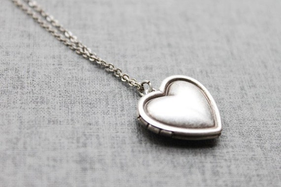Vintage style Simple Heart Locket - S2092 - Christmas Gift