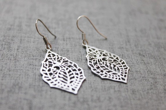 Filigree  white gold  plated with sterling silver earwires - S1099