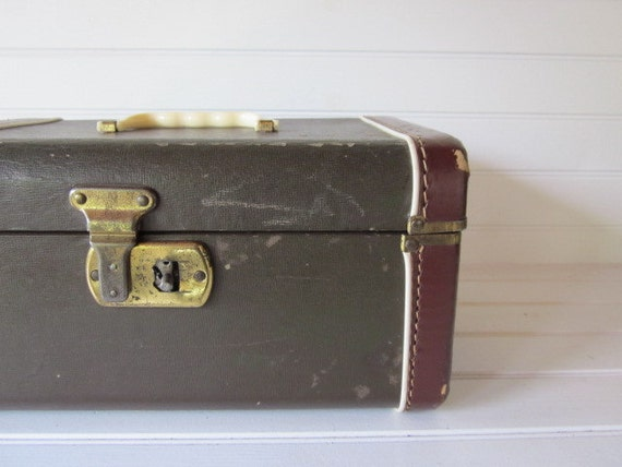 RESERVE Vintage Suitcase,  Brown Small Suitcase or Train Case